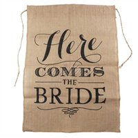 Wholesale Hot Khaki Here Comes the Bride Natural Jute Fabric Burlap Banner Flags for Wedding Decoration cm String