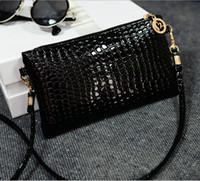 Wholesale stock black blue cheap single shoulder straps beads bridal hand bags pink purple yellow crystals purple Envelope purse