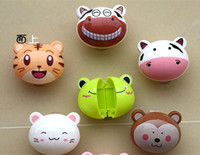 Wholesale Cute cartoon cartoon toothbrush toothbrush holder small animal shaped toothbrush hanging cup type plastic frame set free postage