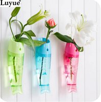 Wholesale Wall mounted twiddlefish vase can hang type hydroponic flower transparent fashion at home decoration