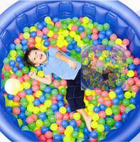 Boule colorée douce Avis-Lot Livraison gratuite Colorful boule la boule d'amusement plastique souple océan Baby Ball Kid Swim Toy Toy Pit