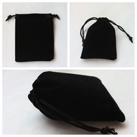 Wholesale 8 cm Solid Color Jewelry Pouches Bags High Quality Rectangular Black Velvet Bags Christmas Gift Flannel Gift Packaging