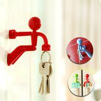 Wholesale BLUE GREEN RED BLACK Wall Climbing Boy Magnetic Key Holder key pete Keychain Magnetic Climbing Man Key Holder