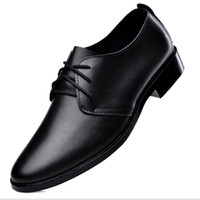 Wholesale 1pcs Fashion Men s Genuine Leather Flats Black Brown Pointed toe Dress Shoes Heels High quality business Shoes Party Shoes for Men
