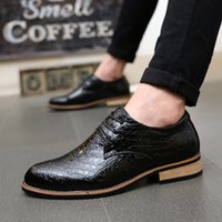Wholesale 2016 new Handmade dress shoes genuine leather Men s pointed toes leather shoes lace up weaving Business men s shoes Wedding leather shoe