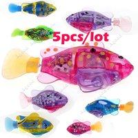 pet fish - 5pcs New Fashion Style Children Flashy Electronic Pets Toy Robot Fish Swimming Diving Electric Turbot Clownfish SV013195