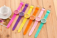 Wholesale Geneva Quartz Watch Women New Luxury Fashion Designer Ladies Sports Brand Silicone Jelly Watches Summer Style Wristwatches