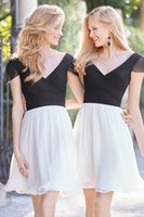 Cheap Cheap Backless Bridesmaid Dresses Pleated V Neckline Knee Length Short Prom Gown Two Tones A-Line Chiffon Homecoming Dress