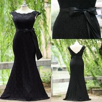 Wholesale Fashion Actual Image Black Top Lace Cheap Bridesmaid Dresses with Sheer Crew Neck Ribbon Bow Covered Button Formal Prom Party Gown
