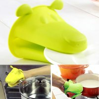 Wholesale Cute Hippo no slip Kitchen Cooking Microwave Oven Mitts Wonderful Kitchen Cooking Insulated Non slip Gloves Mitts