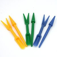 Wholesale 2pcs Dig Seedlings Tools Plastic Hole Puncher Portable Mini Planting Digging Tools Gardening Tools cm