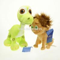 achat en gros de dinosaur toy-Gros-Livraison gratuite 2PCS New The Good Dinosaur Arlo Soft Spot Animaux en peluche Poupée Jouet X-mas 8