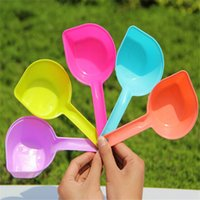 Wholesale 18 cm plastic dog food Spoon pets feeding tools multiple colors alternative pets products supply and retail