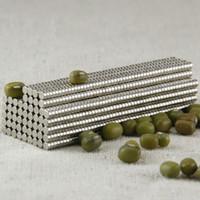 1000pcs / lot mini magnet 3X1mm disque de néodyme Super fort Terre rare N35 petits aimants de réfrigérateur aimants ronds