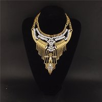 Wholesale Indian Bold Statement Necklace Rife with Alloy Design and Embellishments Retro Bib Necklace Adjustable Chain As Gift