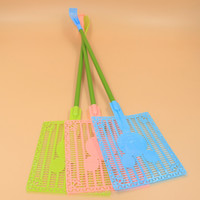 Wholesale ZG3218 creative side of the headband large fly swatter mosquito racket grip dual use plastic manufacturers Mickey