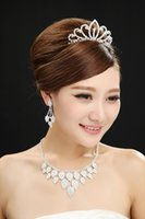 Wholesale Junoesque Bridal Accessories Heart Pattern Chains Earring Crown Three Pieces Wedding Supplier Hair Ornaments
