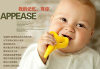 Wholesale hot selling Baby Teethers Baby Teething Rings Bite Silicone Banana Toothbrush Without BPA best seller a