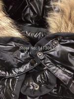 achat en gros de gros duvet de canard veste manteau-Gros-Livraison gratuite New Hiver 2015 femmes Outwear Veste à capuche Marque M- Haute Qualité Ova Fur Collar Zipper Canard Blanc Manteau de duvet