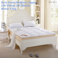 Wholesale Good Permeability Soft Queen size Duck Down Mattress Topper with Straps cm home furniture Five Star Hotel