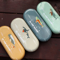 Wholesale Creative Vintage D Fish In The Water seies eye glasses case novelty metal eyeglasses case sunglass box cases Fashion gift