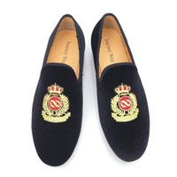 Wholesale 2016 New Fashion Men Loafers Embroidery Men Velvet Shoes Men s Flats Slippers Mens Wedding and Party Shoes Black Red Dress Shoes Size US7