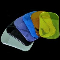 Wholesale Xi Shi slip mat car automobile Phone mat spider queen slip stickers affixed to genuine magic
