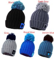Wholesale New Arrivals Unisex Women Men Winter Warm Ski Star Knitted Pom Bobble Hat Beanie Skull Cap fx274