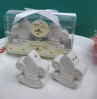 wedding souvenirs - wedding Souvenirs gifts Ceramic Fleur De Lis salt and pepper shaker for festive supplies SETS
