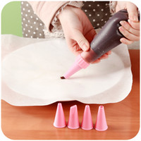 Wholesale Cooking Tools Re useable Cake Silicone Icing Bag Pastry Bag Eco Friendly Piping Bag Decoration DIY Tools Decorating Tip Sets