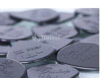 Wholesale 100 piece Guitar Picks Jazz III picks black red Guitar Picks TOP SELLER free case A666