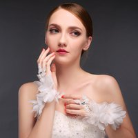 beautiful finger rings - Beautiful New Bridal Gloves Wrist Length Ringer Finger With Charming Applique And Bling Beads Lace Gloves For Wedding Women