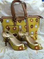 artwork shoes - 2015 Made of African wax cloth bags and shoes pieces set lady bag and lady shoes size BS11