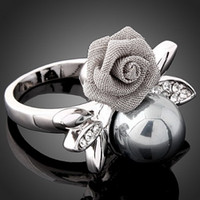 Wholesale Fashion Unique Metal Crystal Pearl Rose Finger Rings Women Girl Rhinestone Ring Jewelry Valentine J00115