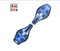 Wholesale Xin olin improved type of flying plate two dynamic children two rounds of flashing wheel skateboard snake plate