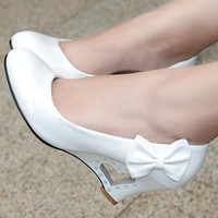 al por mayor zapatos de boda de precios al por mayor-Las nuevas bombas de las mujeres de la manera de la venta al por mayor del precio bajo acuñan los zapatos de los zapatos de la boda de la plataforma de la mujer de los altos talones del bowtie