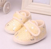 Wholesale Baby Boy Girl Blazing Star Moon Print Shoes First Walker Shoes Toddler Yellow Pink Blue Fleece Soft Sole Antikid Moccasins For Year