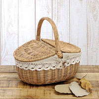 Wholesale New Eco friendly Handmade Willow Wicker Vegetables Fruits Basket Hamper with Lid Handle Sundries Baskets Organizer w Inner Line order lt no