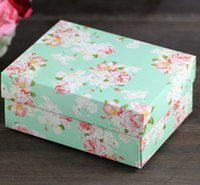 Wholesale Spring Candy Favor Boxes - 50Pcs Lot Two Color DIY Folding Candy Boxes Wedding Party Favor Holders Gift Box Candy Boxes 2016 Spring Style