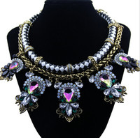 Wholesale Hot Fashion Europe and America Fashion Gold Choker Collar Crystal Flowers Pendant Statement Necklace for Women