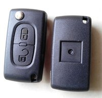 Wholesale High quality peugeot button flip remote key with groove mhz ID46 transponder chip