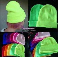 Envío de la venta caliente 2014 Moda de punto de neón Mujeres Beanie Niñas Otoño casuales mujeres Cap # 039; s caliente Sombreros de invierno unisex