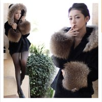 Wholesale hot sellingThe new autumn and winter hooded fur coat fur coat ladies short hair spliced leader WPC0100 new