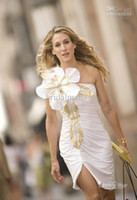 Wholesale Affordable Embellishment Flower White Celebrity Carpet Dressses Sarah Jessica Parker Red Carpet Dress Sheath Sweetheart Short PartyGowns HYC