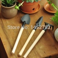 Wholesale Set Mini Garden Tools Kit Plant Garden Shovel Spade Rake Trowel Set Wood Handle Iron Head Gardener
