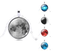 Wholesale Vintage Gemstone Galaxy Pendant Necklace Glass Cabochon Pendant Silver Plated Art Picture Chain Necklace Mysterious jewelry Gift