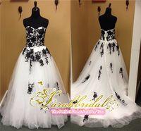 corset and tulle wedding dresses - 2015 Gothic Black and White Wedding Dresses Lace Corset and Tulle A Line Beach Garden Wedding Gowns Sweetheart Neckline Court Train Dresses