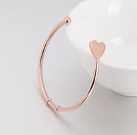 Cadeaux de valentines 2016 Fashion Hand Stamped Initial Bracelets Bangles Bracelet en or Love Heart Charm Bangles Love Bracelet de l'Inde Pluseras TOP1219