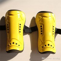 Wholesale New Pair Competition Pro Soccer Shin Guard Pads Brand Outdoor Sports Soccer Shinguard Protector