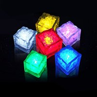 Wholesale Multi colors Food Grade Plastic Water Activated Led Color Change Crystal Cube Led Flashing Ice Cube For Party Christmas Wedding and Bars